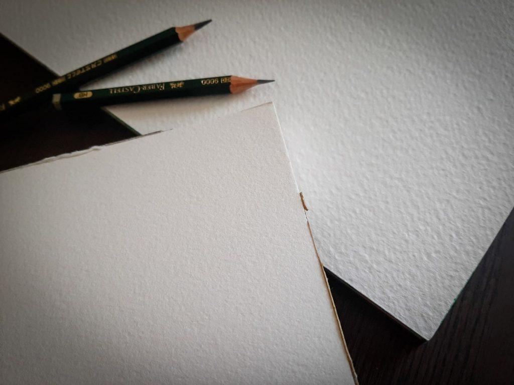 Esempi di grana grossa e fine della carta da disegno